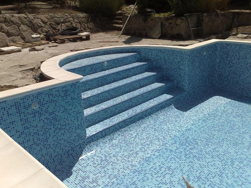 Construcci n de piscinas escaleras archives construcci n for Escaleras de piscinas baratas